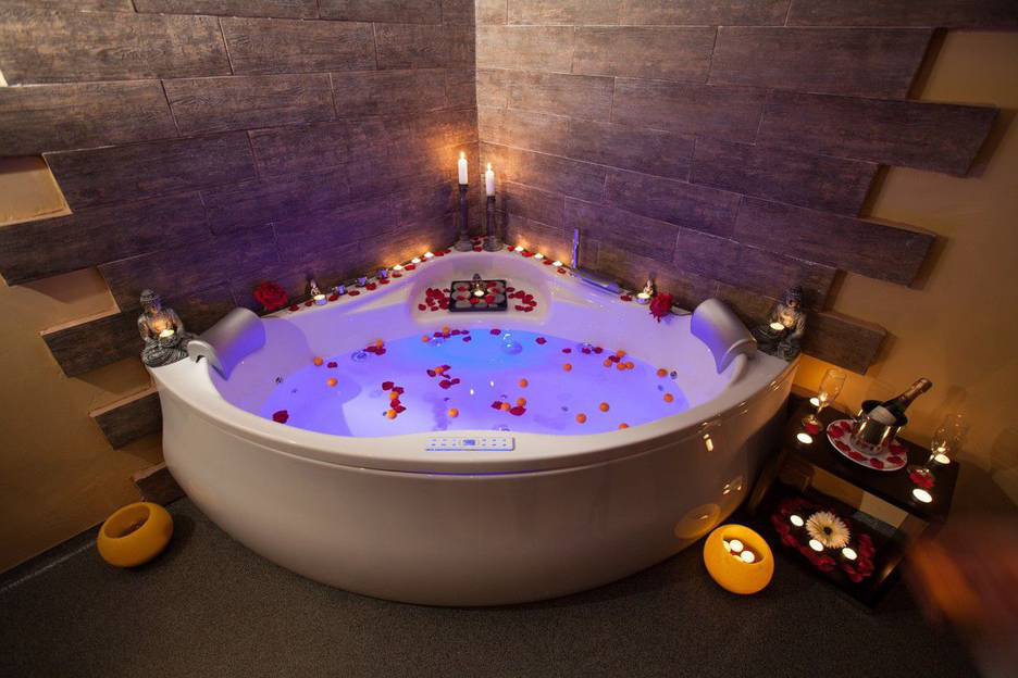 Hot tub vs. Jacuzzi